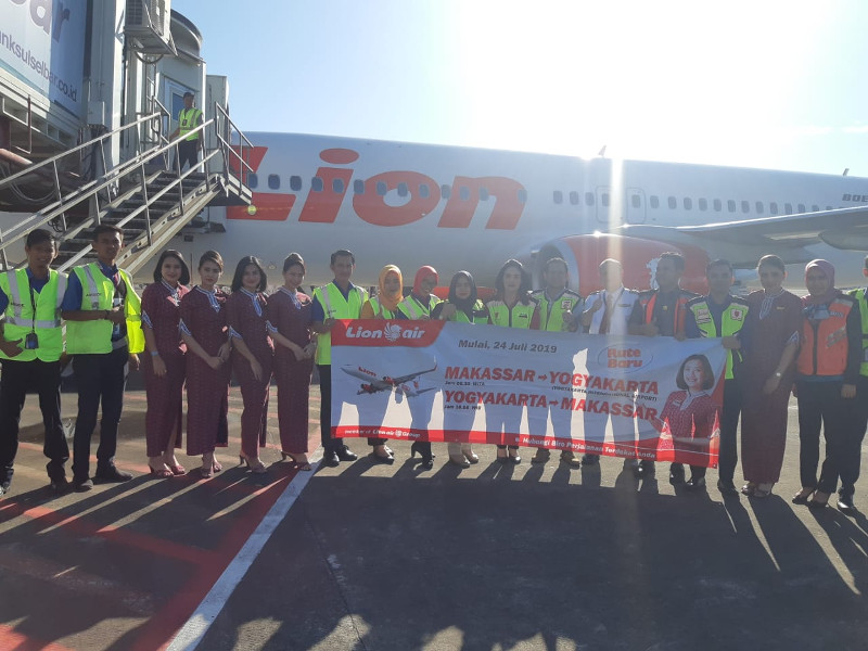 lion air makasar-kulonprogo